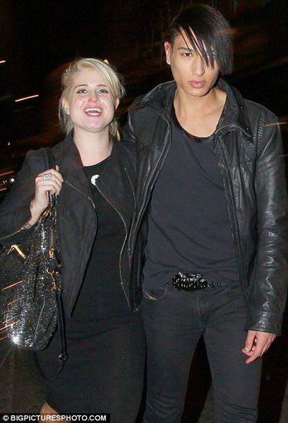 Келли Осборн с новым бойфрендом в Лондоне