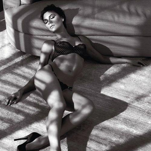 Виктория Бэкхем в рекламе нижнего белья от Armani