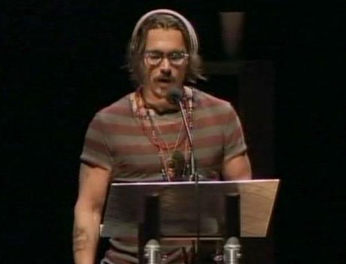 Видео: Джонни Депп просит осовободить заключенных