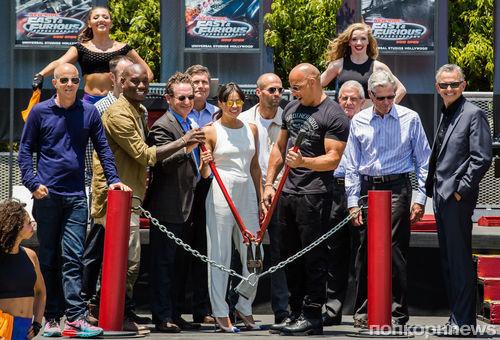 Звезды «Форсажа» на открытии гоночного 3D аттракциона в Голливуде