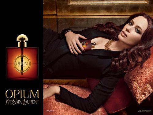Эмили Блант в рекламной кампании аромата Yves Saint Laurent «Opium»