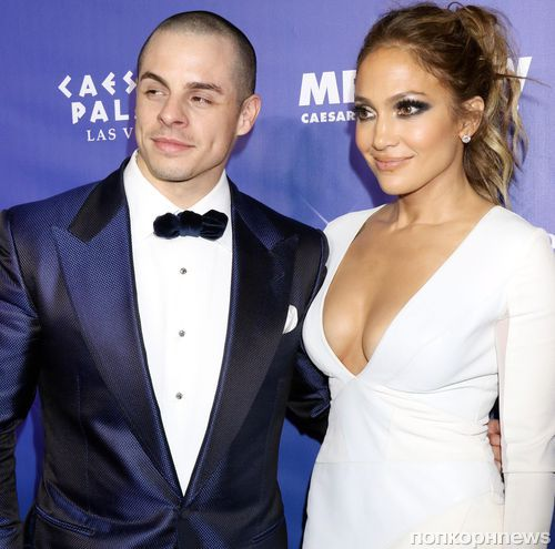 Дженнифер Лопес прокомментировала слухи о своей помолвке с Каспером Смартом