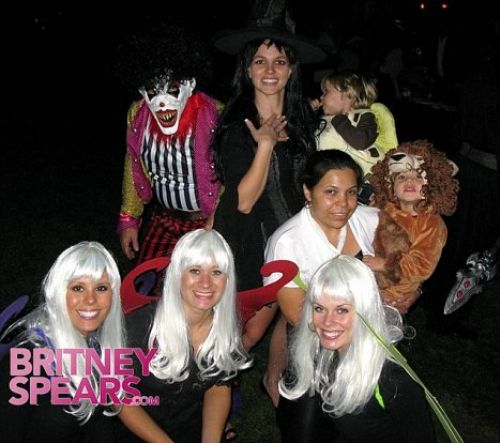 Бритни Спирс и ее дети на Хэллоуин