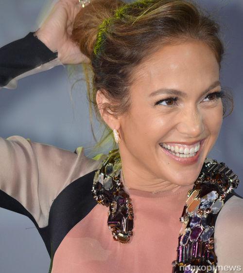Дженнифер Лопес запускает интерактивный сайт