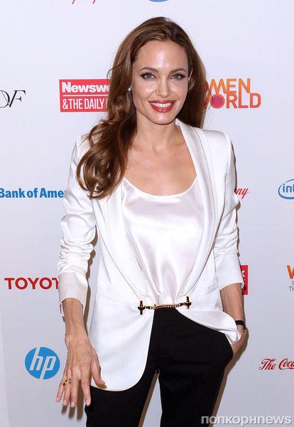 Анджелина Джоли готовится к операции по удалению яичников