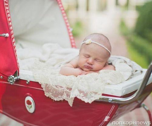 Первое фото дочери Келли Кларксон