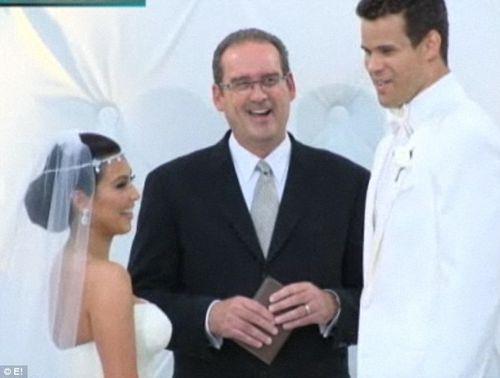 Ким Кардашиан вышла замуж