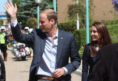 Принц Уильям и Кейт прибыли в канадский город, пострадавший от пожара