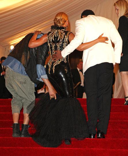 Неудобное платье Бейонсе Ноулз
