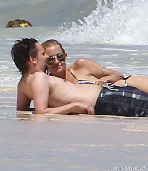 Кейт Хадсон и Мэтт Беллами в Канкуне