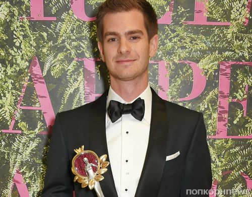 Дакота Джонсон, Зои Салдана, Колин Ферт и другие на церемонии Green Carpet Fashion Awards 2017