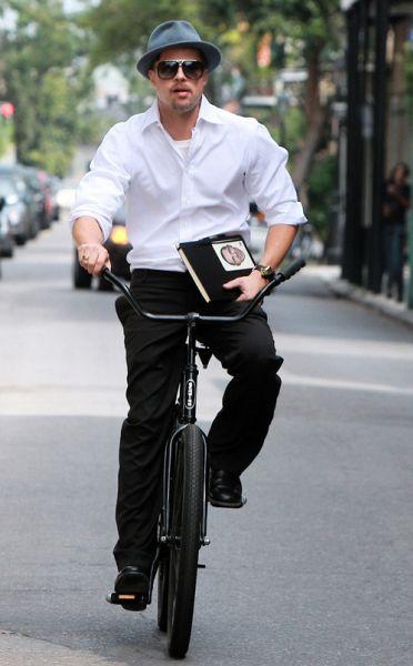 Брэд Питт  - велосипедист