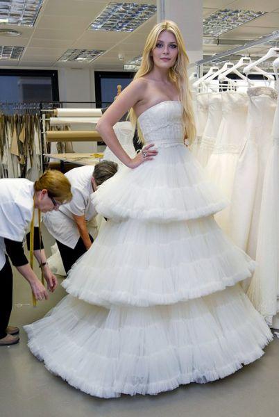 Миша Бартон - невеста