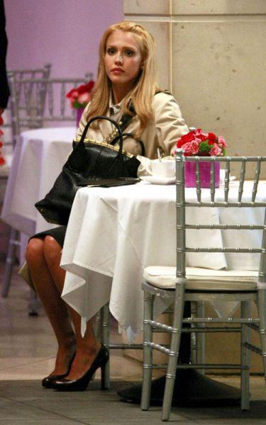 Джессика Альба на съемках фильма Valentine's Day