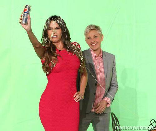 Видео: как София Вергара рекламировала Pepsi, а Эллен ДеДженерес ей мешала
