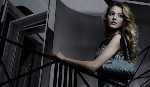 Еще немного Блэйк Лайвли для рекламы новой коллекции сумок Chanel Mademoiselle