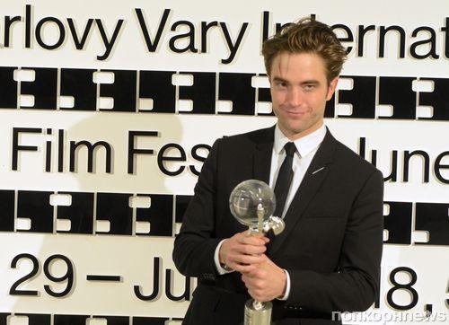 Фото: Роберт Паттинсон получил специальную награду на кинофестивале в Карловых Варах