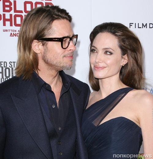 Анджелина Джоли подарила Брэду Питту вертолёт
