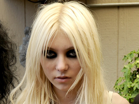 ��������� ������ ������ ������ The Pretty Reckless  - Miss Nothing