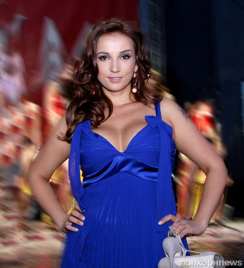 Телеведущая Анфиса Чехова открыла брачное агентство в Instagram