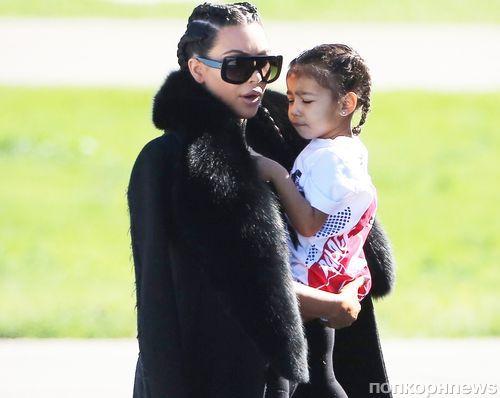 Ким Кардашьян перестала  кормить сына грудью из-за ревности Норт