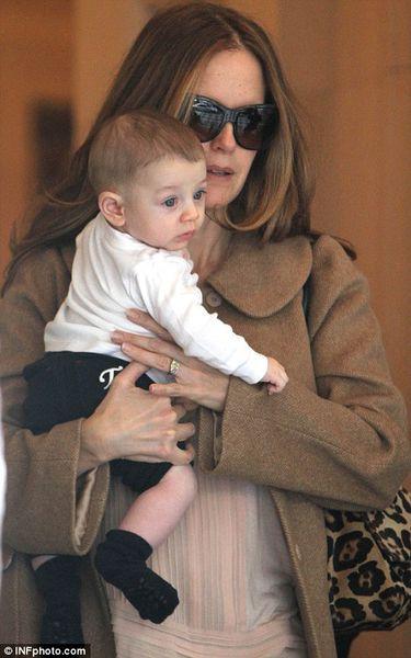 Келли Престон с сыном Бенджамином в Нью-Йорке