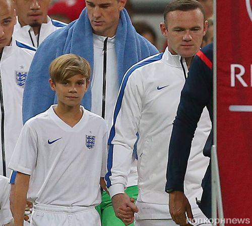 Сын Дэвида Бекхэма вышел на поле с английской сборной по футболу