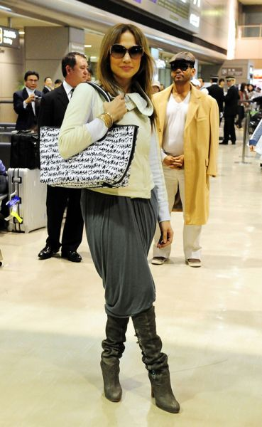 Дженнифер Лопес прилетела в Токио