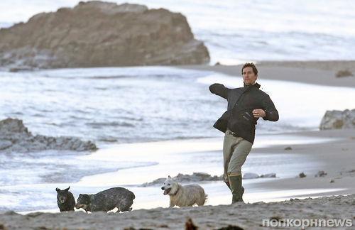 Мэттью МакКонахи на пляже с семьей