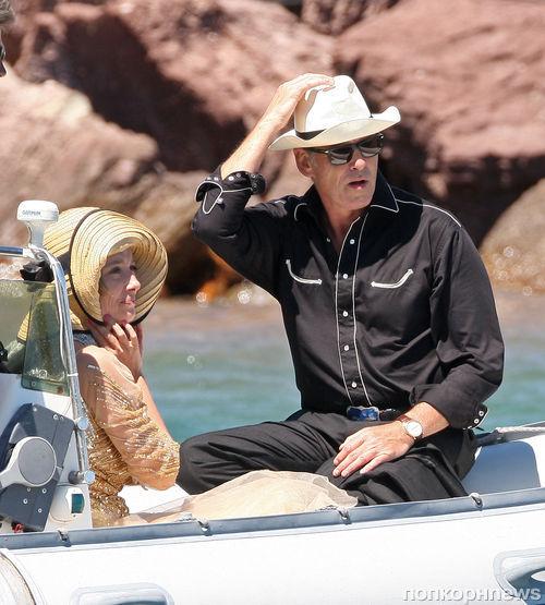 Пирс Броснан и Эмма Томпсон на съемках фильма Love Punch