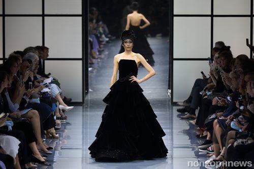 Модный показ новой коллекции Giorgio Armani Prive, осень / зима 2017
