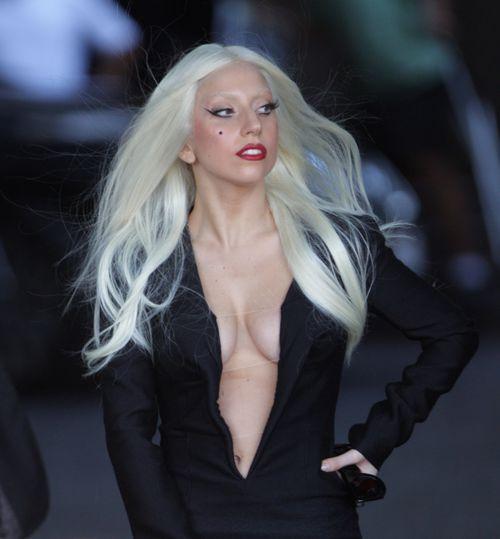 Стильная и откровенная Lady GaGa