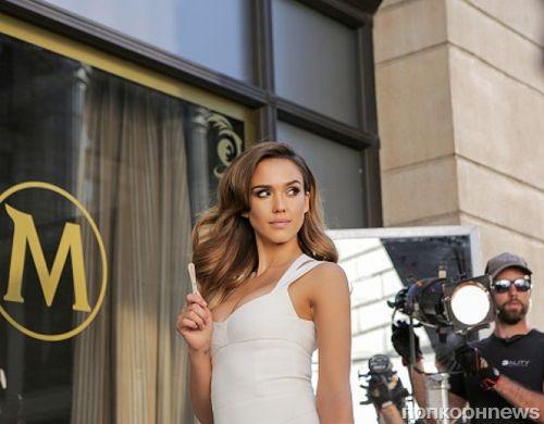 Джессика Альба в рекламе мороженого Magnum
