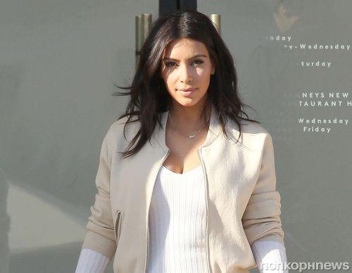 Ким Кардашян ничего не знает о макияже, но продолжает продавать косметику