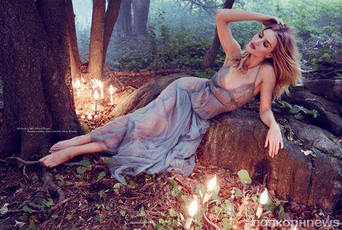Рози Хантингтон-Уайтли в роскошной фотосессии для сентябрьского Harper's Bazaar UK