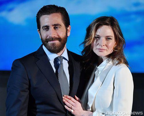 """Джейк Джилленхол и Ребекка Фергюсон на премьере """"Живое"""" в Париже"""