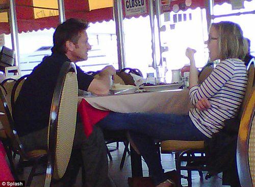 Скарлетт Йоханссон и Шон Пенн встречаются?