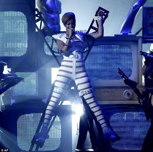 American Music Awards: Рианна против Lady GaGa