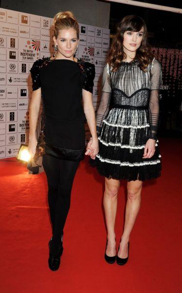 Кира Найтли и Сиенна Миллер на British Independent Film Awards