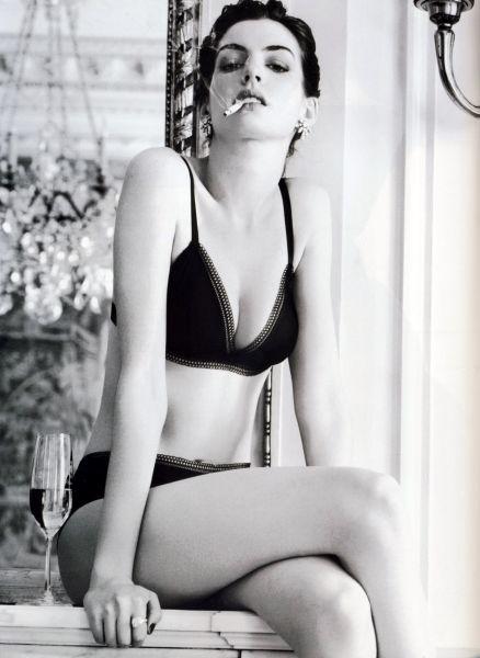 Энн Хэтэуэй в журнале Vogue