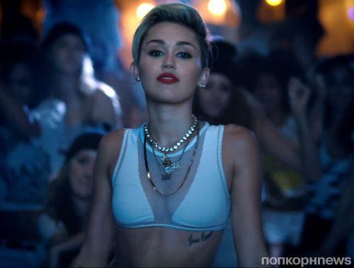 Майли Сайрус в промо-ролике MTV Video Music Awards 2013