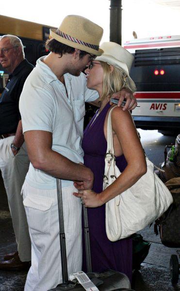 Дженни Гарт и Питер Фасинелли: любовь в аэропорту