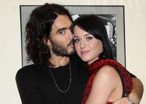 Кэти Перри и Рассел Брэнд планируют свидания за восемь месяцев