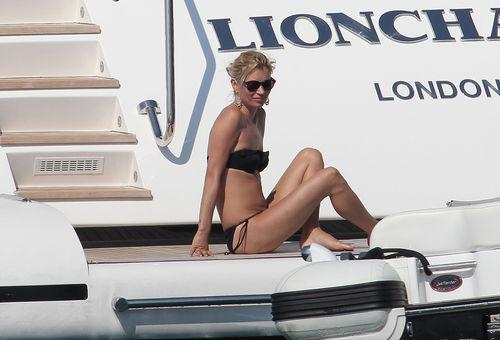 Медовый месяц Кейт Мосс и Джейми Хинса на Корсике