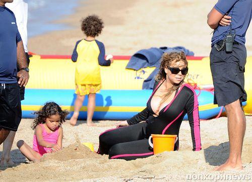 Мэрайя Кэри отдыхает на Сардинии с детьми и новым бойфрендом