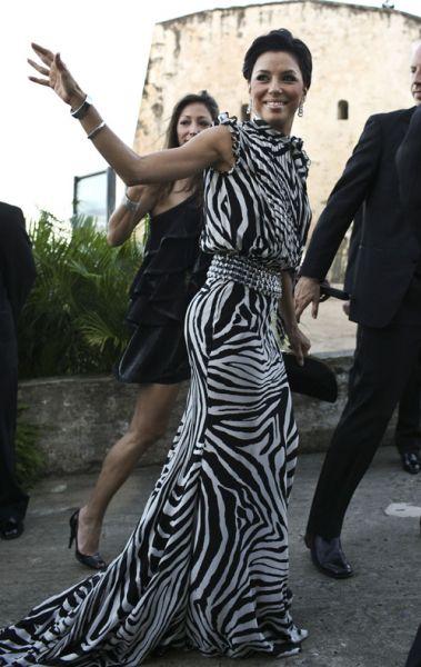 Ева Лонгория любит зебр