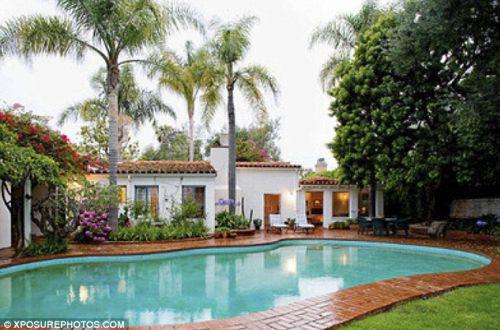 Дом, в котором умерла Мэрилин Монро, продается за 3,6 млн долларов