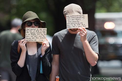 Эмма Стоун и Эндрю Гарфилд используют папарацци в благих целях