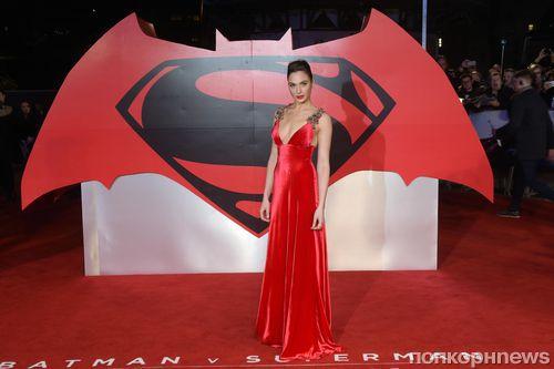 Звезды на премьере фильма «Бэтмен против Супермена: На заре справедливости» в Лондоне