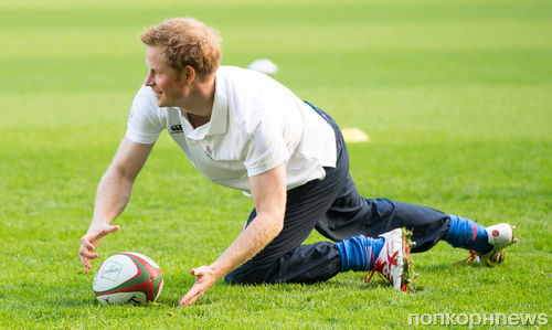 Принц Гарри сыграл в регби с юными подданными